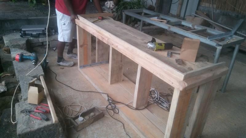 Fabrication d'un meuble pour un bac de 480lt 20190615