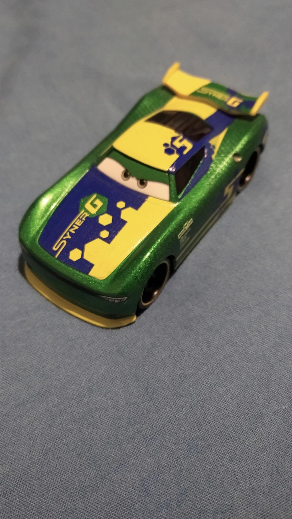 Les variantes des miniatures de Cars 3... la spécialité de Mattel !  Img_2037