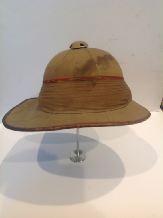 Canadian V.R.C.. foreign service/ pith helmet Img_1110