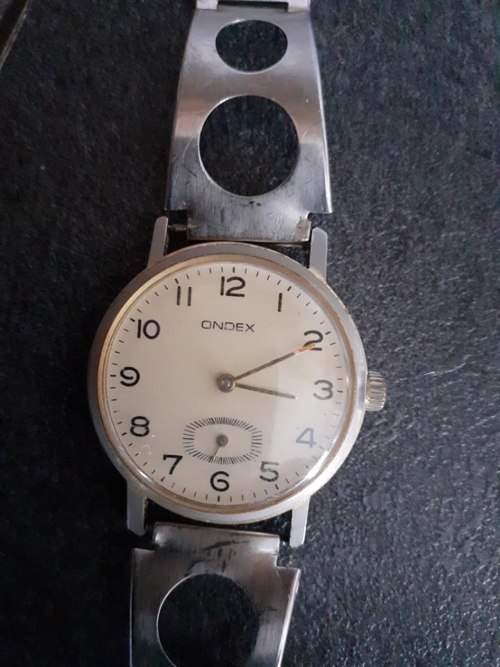ZENITH -  [Postez ICI les demandes d'IDENTIFICATION et RENSEIGNEMENTS de vos montres] - Page 29 122310