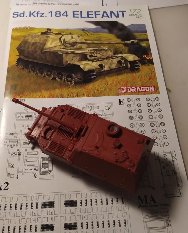 Sdkfz 184 Elefant  -- Dragon -- 1/72 11-09-10