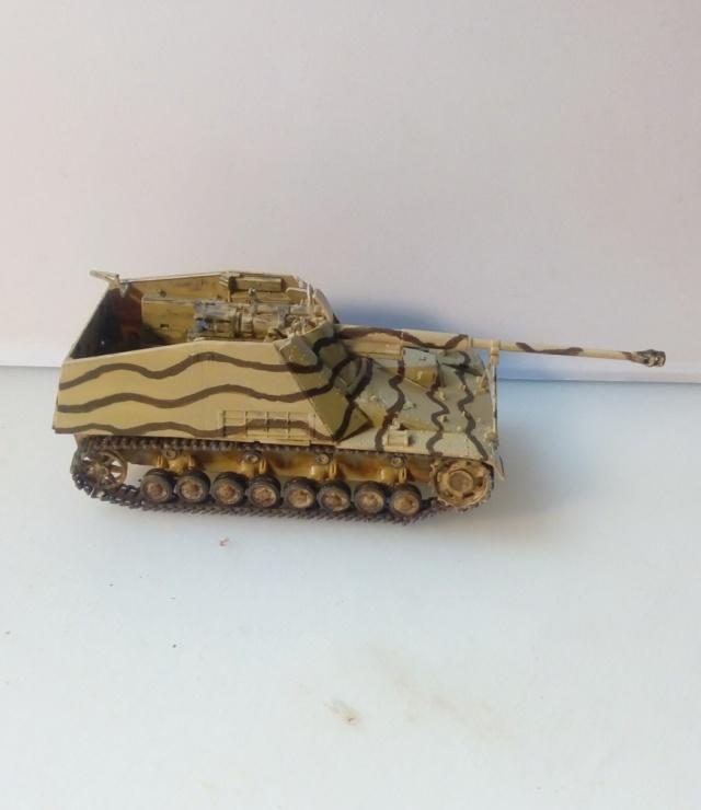 """Sd.Kfz 164 """" Nashorn """" --Revell -- 1/72 27-12-11"""