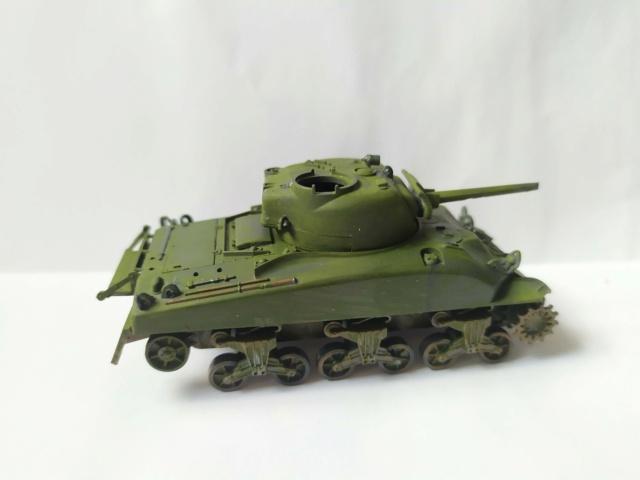 Sherman M4A1 -Esci -1/76 Img_2083