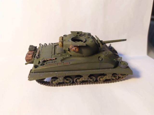 Sherman M4A1 -Esci -1/76 Img_2084