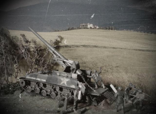 FIRE !!! -- M40 GMC 155 mm. Long Tom - Revell 1/72 Vintag10