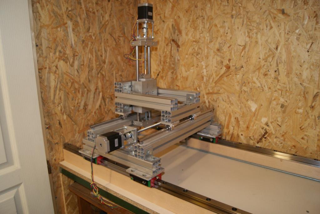 optimisation de ma CNC, dans le but d'usiner le bois mais aussi l'aluminium... Dsc07511