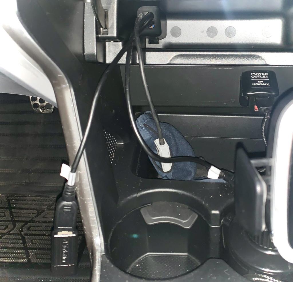 Besoin d'une infos concernant la prise usb dans la poche du CR-Z De158310