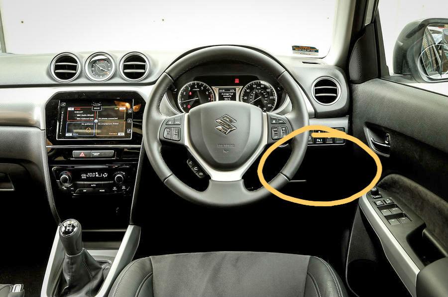 Removing the drivers side dash storage compartment trim Suzuki10