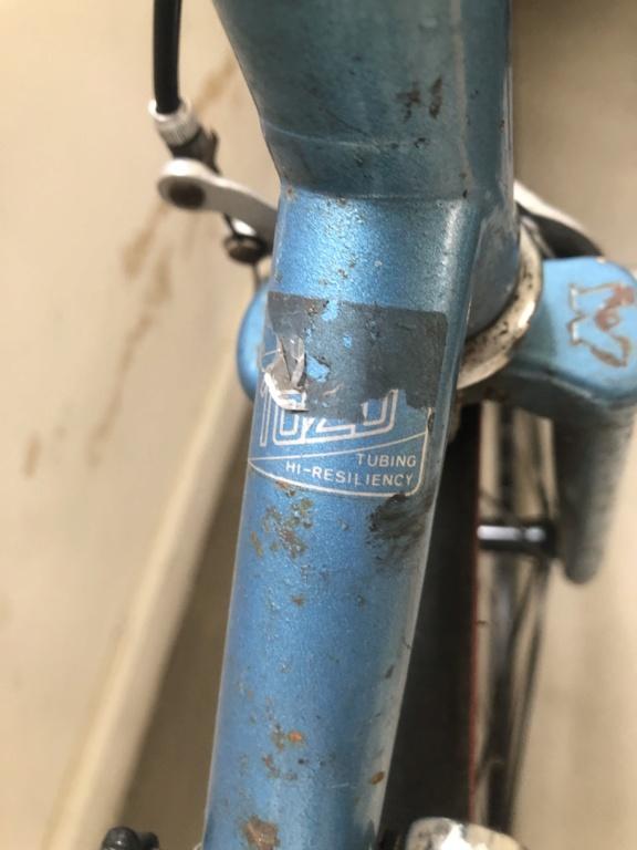 Motobecane remise a neuve : cherche modele exact / taille boitier de pedalier Image110