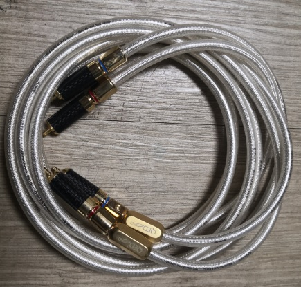 QED Signature Series RCA Cable (Sold) Qed_si10
