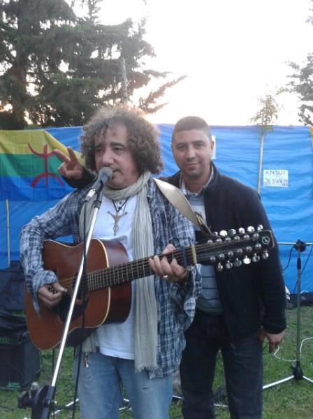 AKLI D chante à Ait Aissa (Aokas) le 19 Avril 2013 - Page 2 54369610