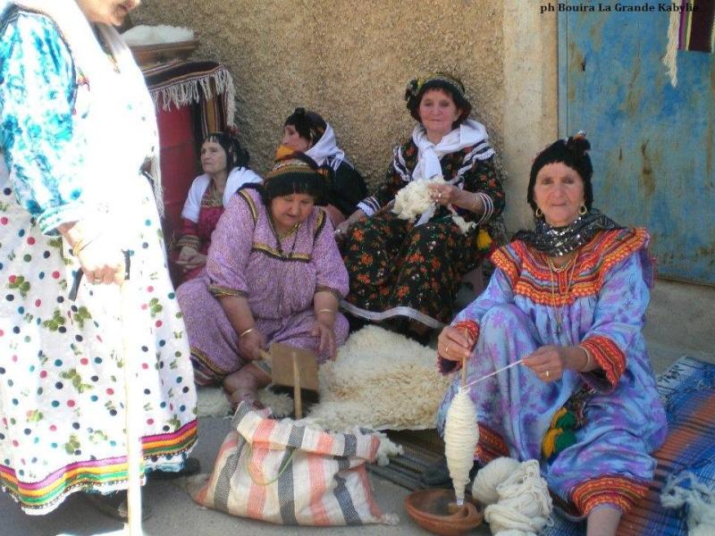 femmes kabyles! Rue_de11
