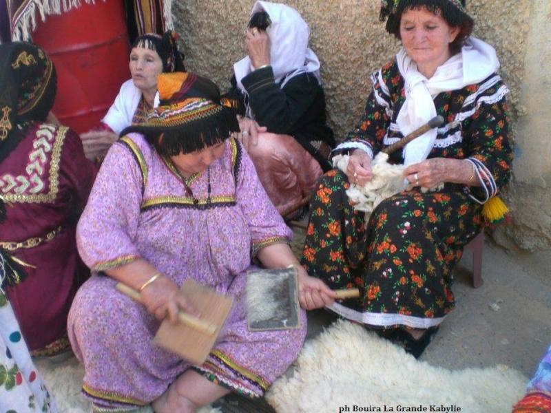 femmes kabyles! Rue_de12