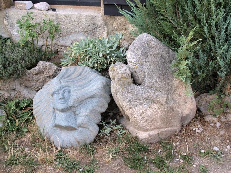 sculptures sur pierre en plein air P8180510