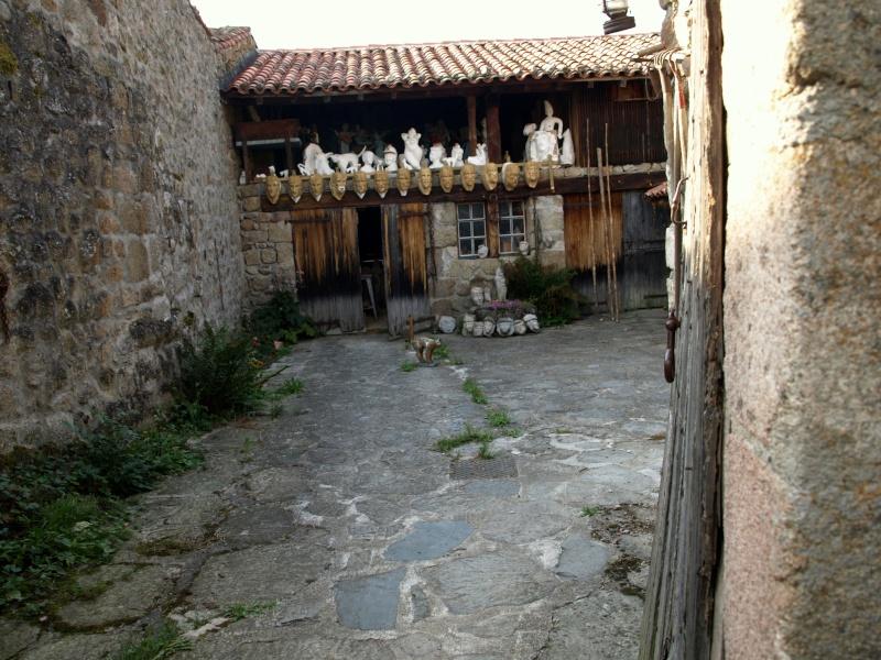 sculptures sur pierre en plein air P8180511