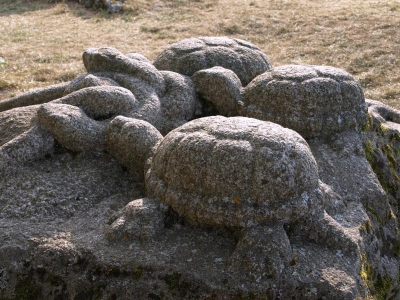 sculptures sur pierre en plein air P8180611