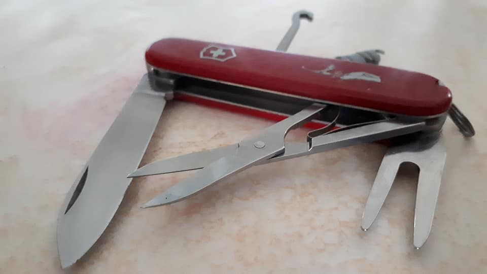 Mes 91mm rouge et ALOX 93 mm ( Victorinox ) -- ( Philippe ) 37243010