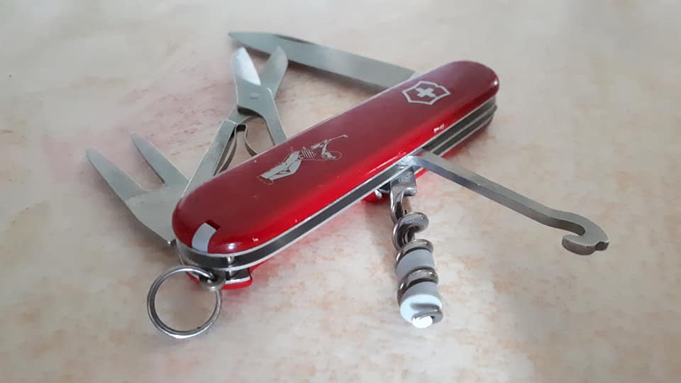 Mes 91mm rouge et ALOX 93 mm ( Victorinox ) -- ( Philippe ) 37285710