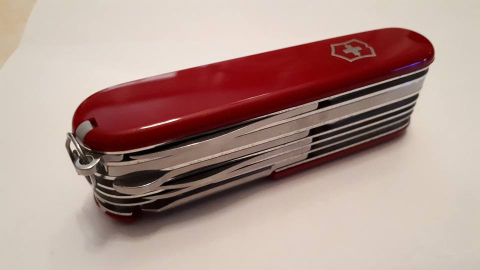 Mes 91mm rouge et ALOX 93 mm ( Victorinox ) -- ( Philippe ) 37817010