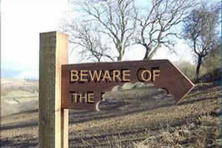 Panneaux. - Page 4 Beware10