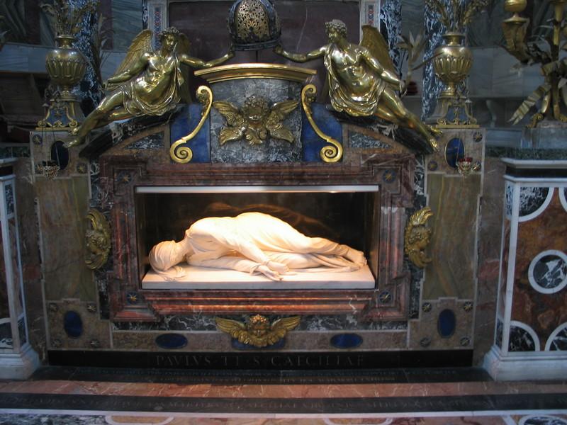 Sainte Cécile Tombea10