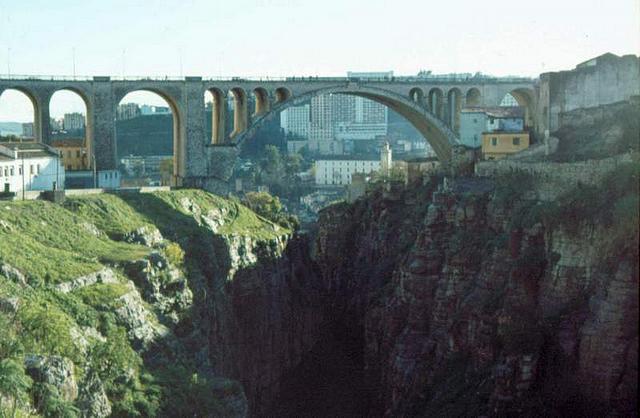 Un pont Untitl11