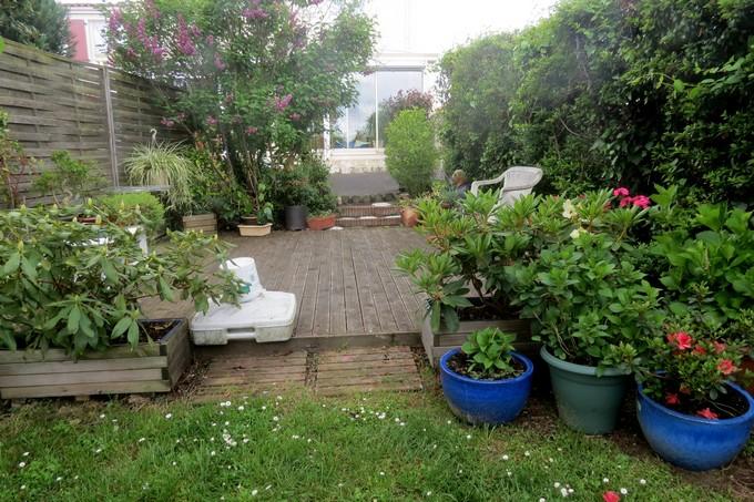 un clin d'oeil dans mon jardin  Img_3045
