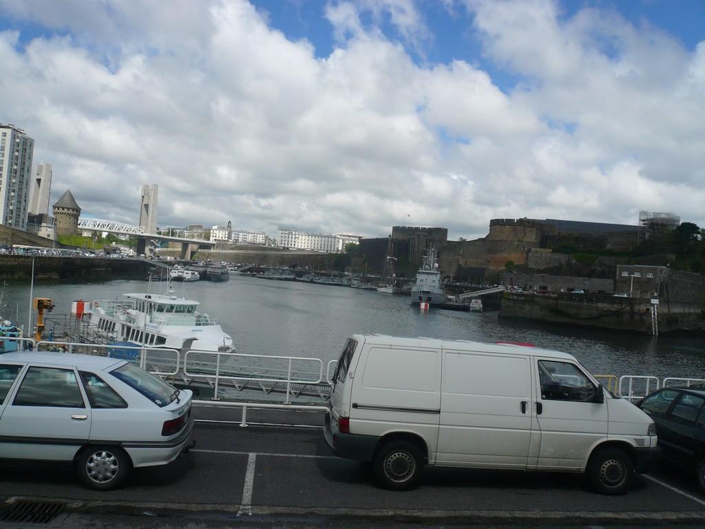 [Les ports militaires de métropole] Port de BREST - TOME 2 - Page 3 11_vu_10