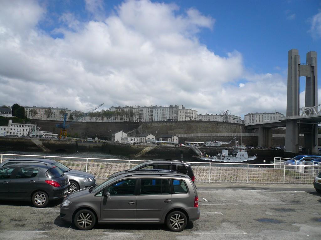 [Les ports militaires de métropole] Port de BREST - TOME 2 - Page 3 18_can10