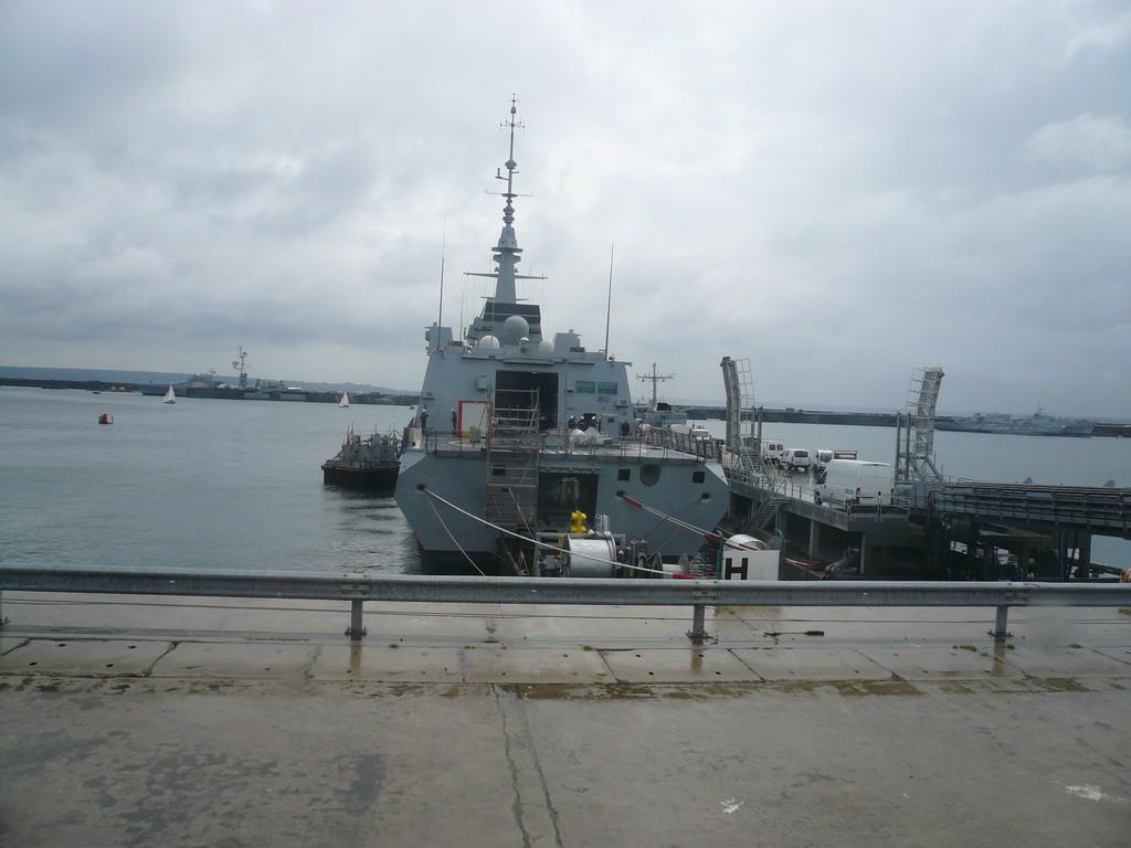 [Les ports militaires de métropole] Port de BREST - TOME 2 - Page 3 812