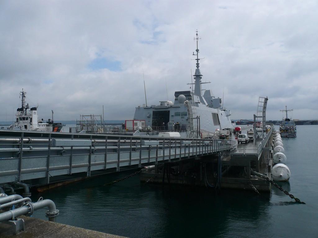 [Les ports militaires de métropole] Port de BREST - TOME 2 - Page 3 910