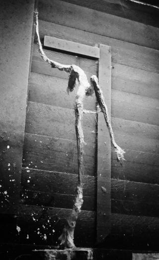 un homme qui tombe (plâtre) Novemb11