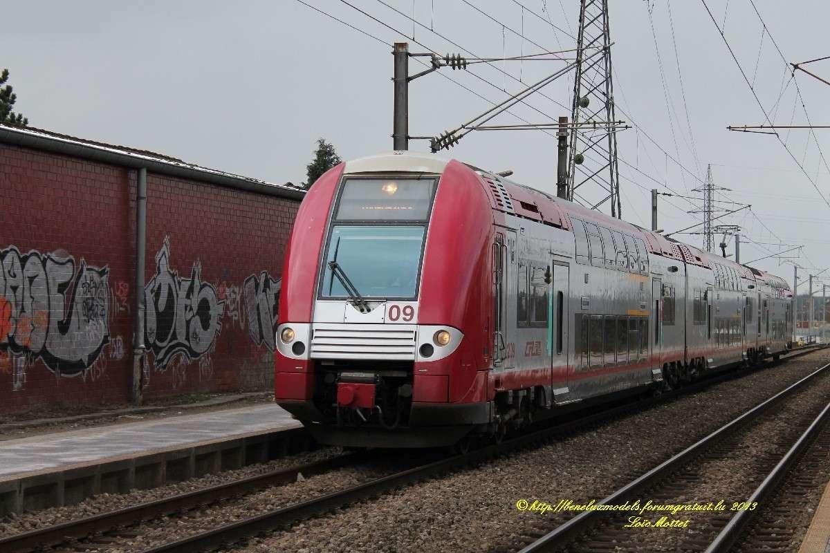 série 2200 [ CFL ] franchit la Moselle Img_1410