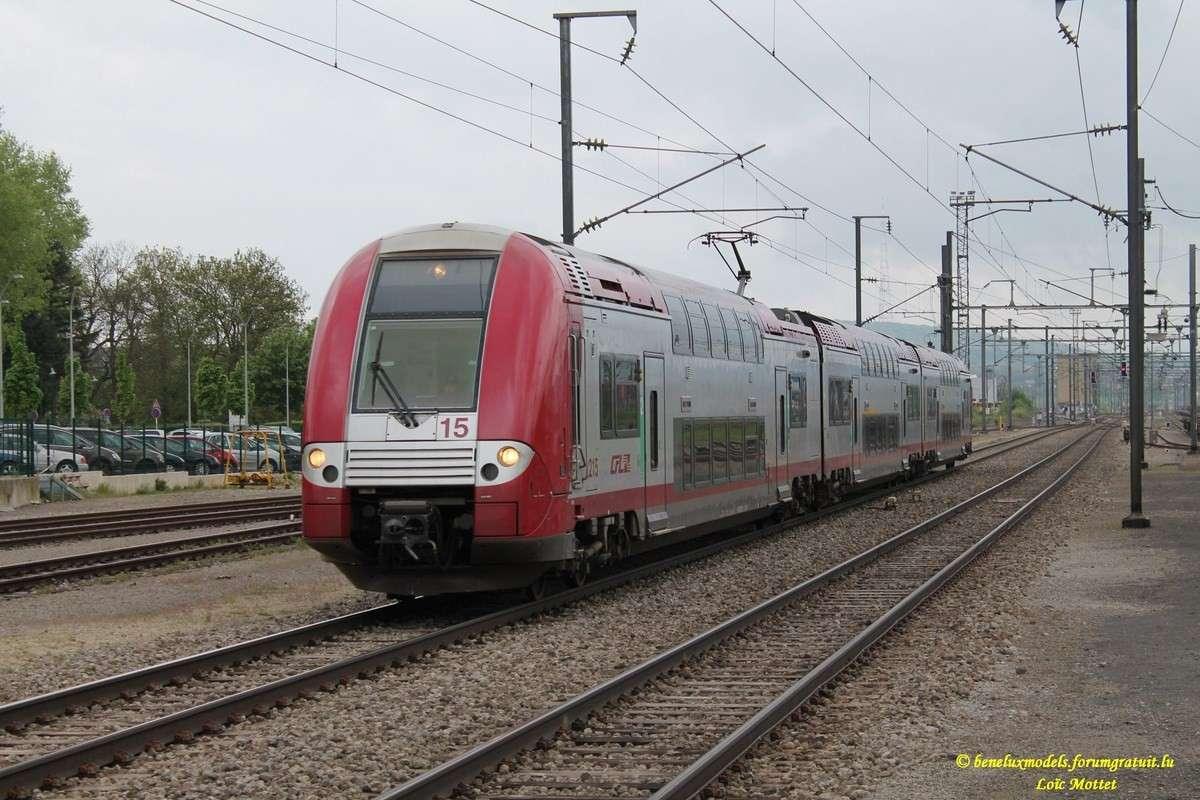 série 2200 [ CFL ] franchit la Moselle Img_2428