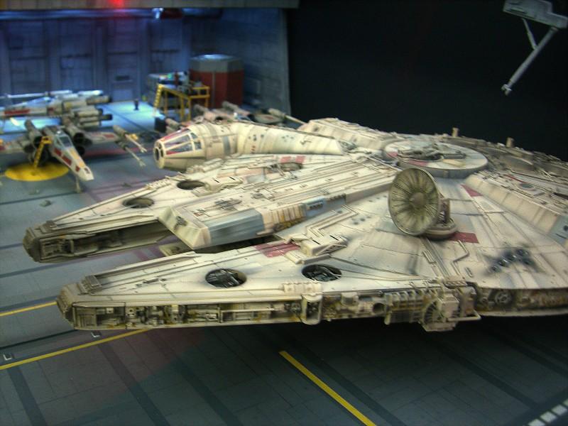 une superbe representation du hangard rebelle Fm2510