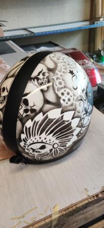 Peinture sur casque à l'aérographe  Img_2059
