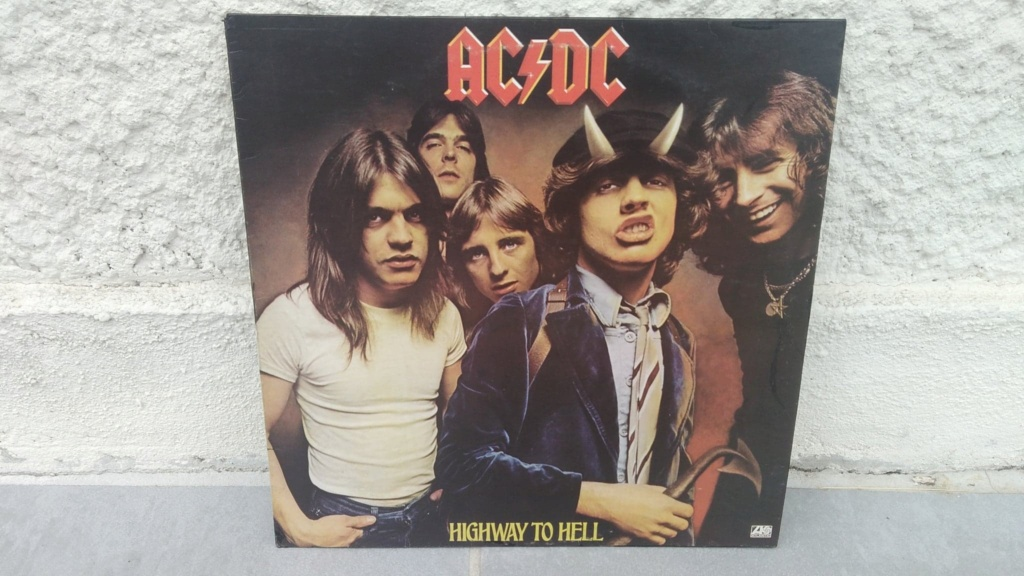 AC/DC - Page 17 Acdc0_14