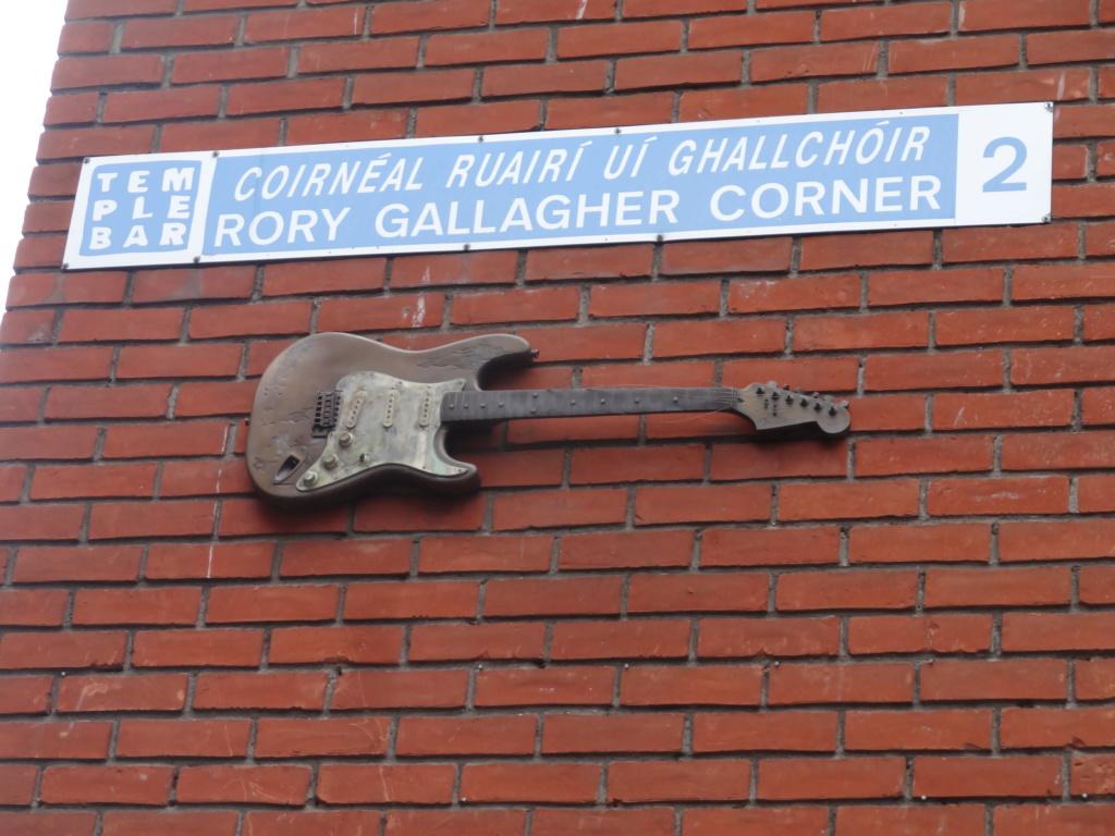 Lieux et monuments dédiés à Rory Gallagher - Page 6 Dsc08011