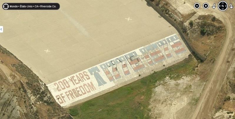 "Ecriture ""200 Years of freedom"" à Corona, Californie - USA Sans_t36"