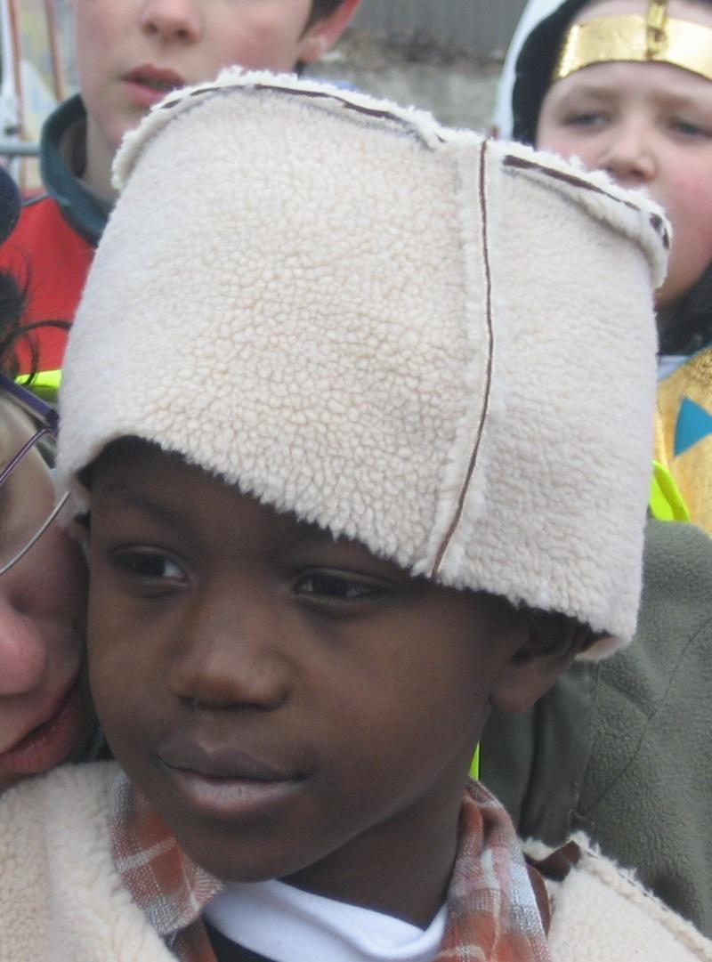 Vous et les chapeaux , bonnets , casquettes  ? - Page 2 Raphbo10