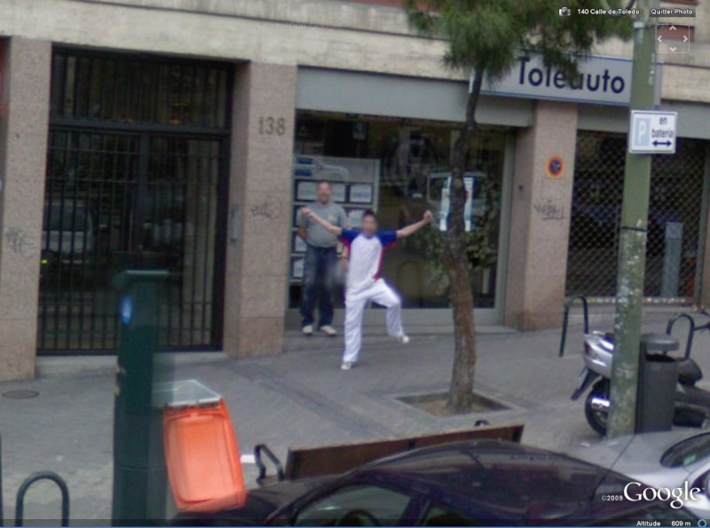 STREET VIEW : un coucou à la Google car  - Page 2 Coucou10