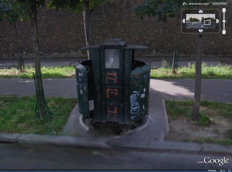 STREET VIEW : Vespasienne, Paris Vespas10