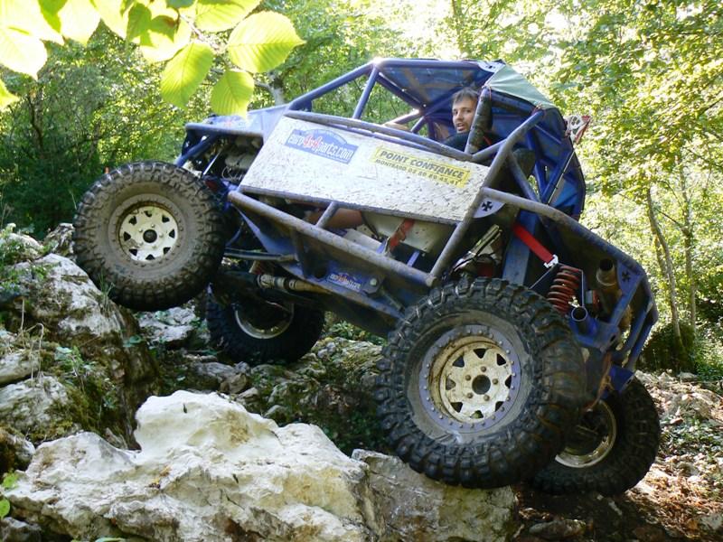 CJ 7 sur chassis mercedes et V8 mercos - Page 6 P1260215