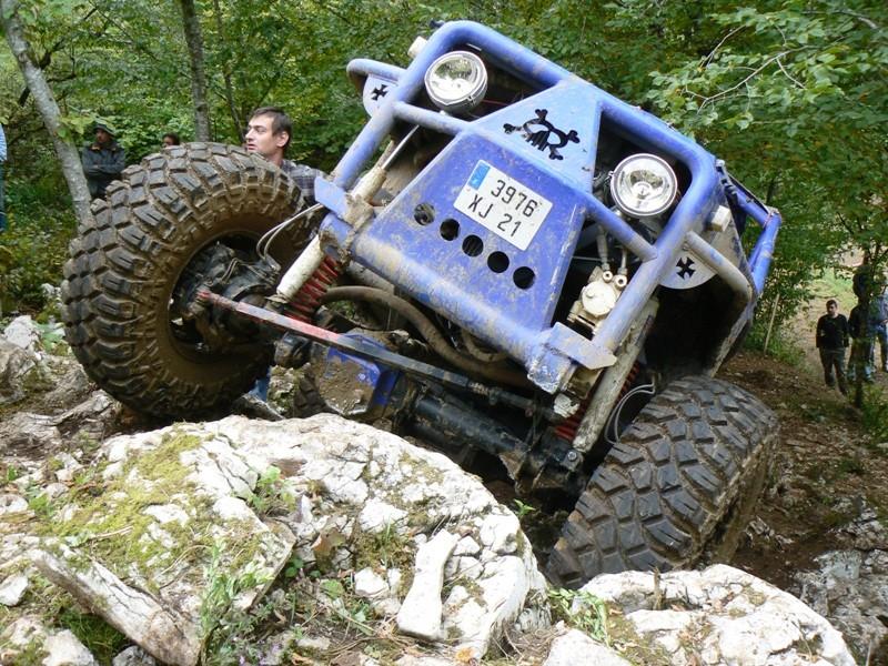 CJ 7 sur chassis mercedes et V8 mercos - Page 6 P1260721