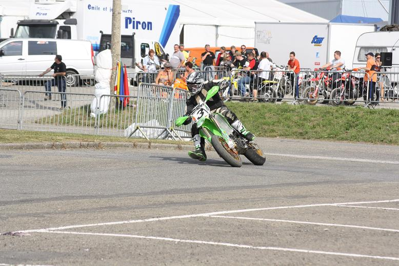 Quelques photos des califs du Super-Moto de Battice Battic11