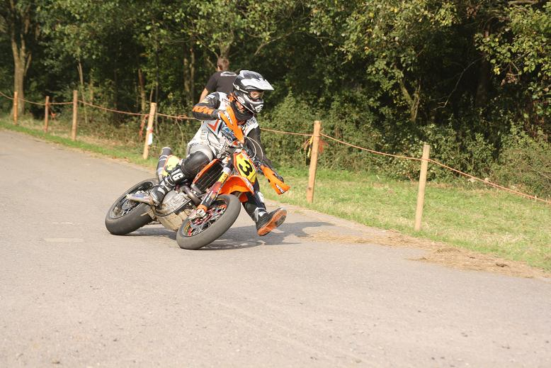 Quelques photos des califs du Super-Moto de Battice Battic19