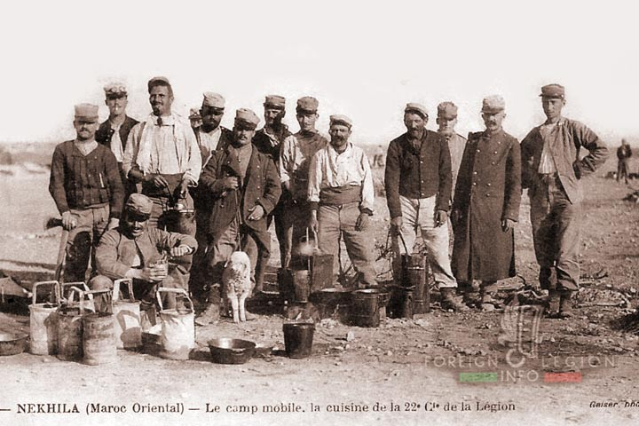 Meknès, ville de garnisons - Page 18 1re-1910