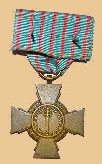 Insignes, Médailles, Ecussons Militaires et Civils - Page 16 Croix_21