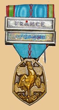Insignes, Médailles, Ecussons Militaires et Civils - Page 16 France11