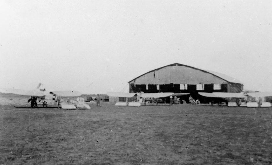 Aviation : les 1ères escadrilles et grands pilotes Hangar10